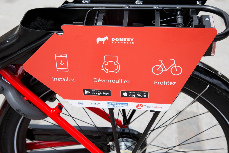 Porte-bagage d'un vélo en libre-service Transvilles