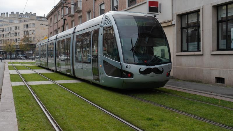 tram moustachu pour movember clemenceau