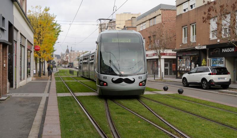 tram moustachu pour movember valenciennes